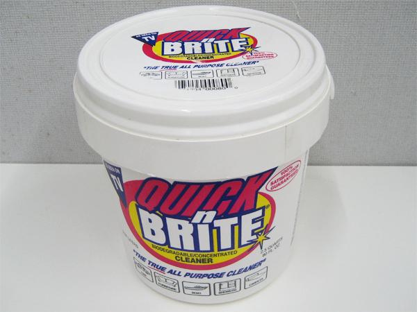 """万能洗剤 QUICK n BRITE(クイック&ブライト) """"容量2.37L"""""""