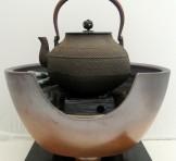 野々田式 炭型電熱器 裏流B型、風炉 黄の瀬窯 紅鉢型、敷き板、鉄瓶