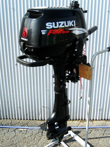SUZUKI(スズキ) 小型船舶用船外機 DF5(型式 00501F)