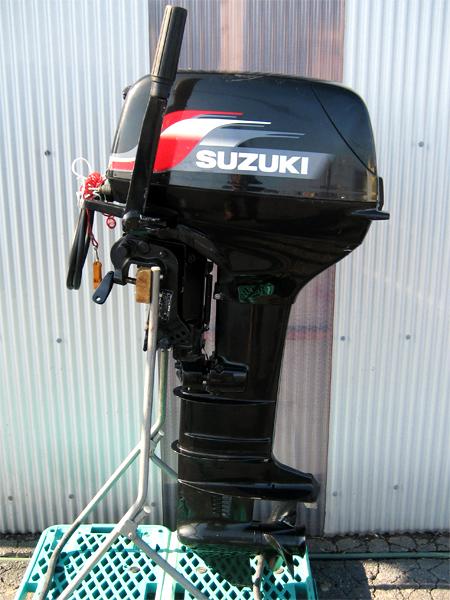 SUZUKI(スズキ) 小型船舶用 2スト船外機 DT30(型式 03001)